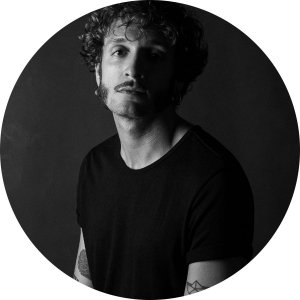 Alex Domenech artista en Ineditad Galeria