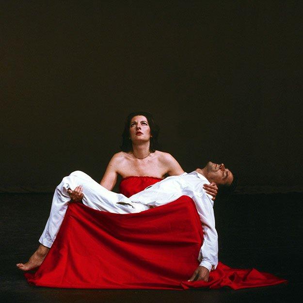 """Marina Abramovic. """"Pietà"""". 2002"""