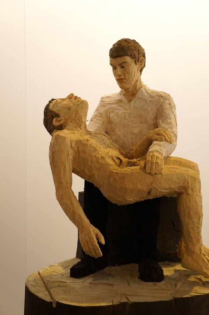 """Stephan Balkenhol. """"Pietà"""".  Madera de ayous pintada. 2014"""